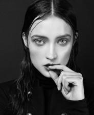 Anna Koszegi  -front