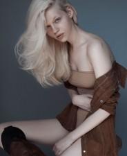 Emma Peet-Front